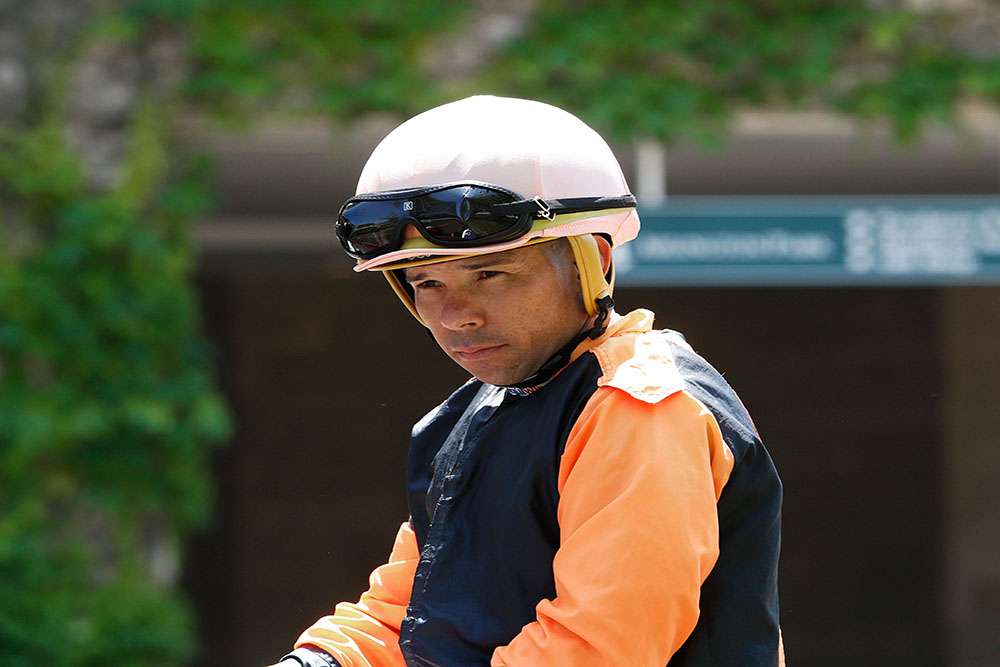 edgar perez jockey lookin down half frown